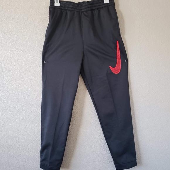 Boys 8-20 Nike Therma Basketball Jogger Pants. M 5b8de4a85fef37a2e69ee9c6 595245c3e